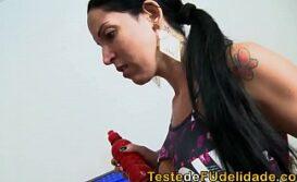 Foda gostosa com morena brasileira rabuda e gulosa